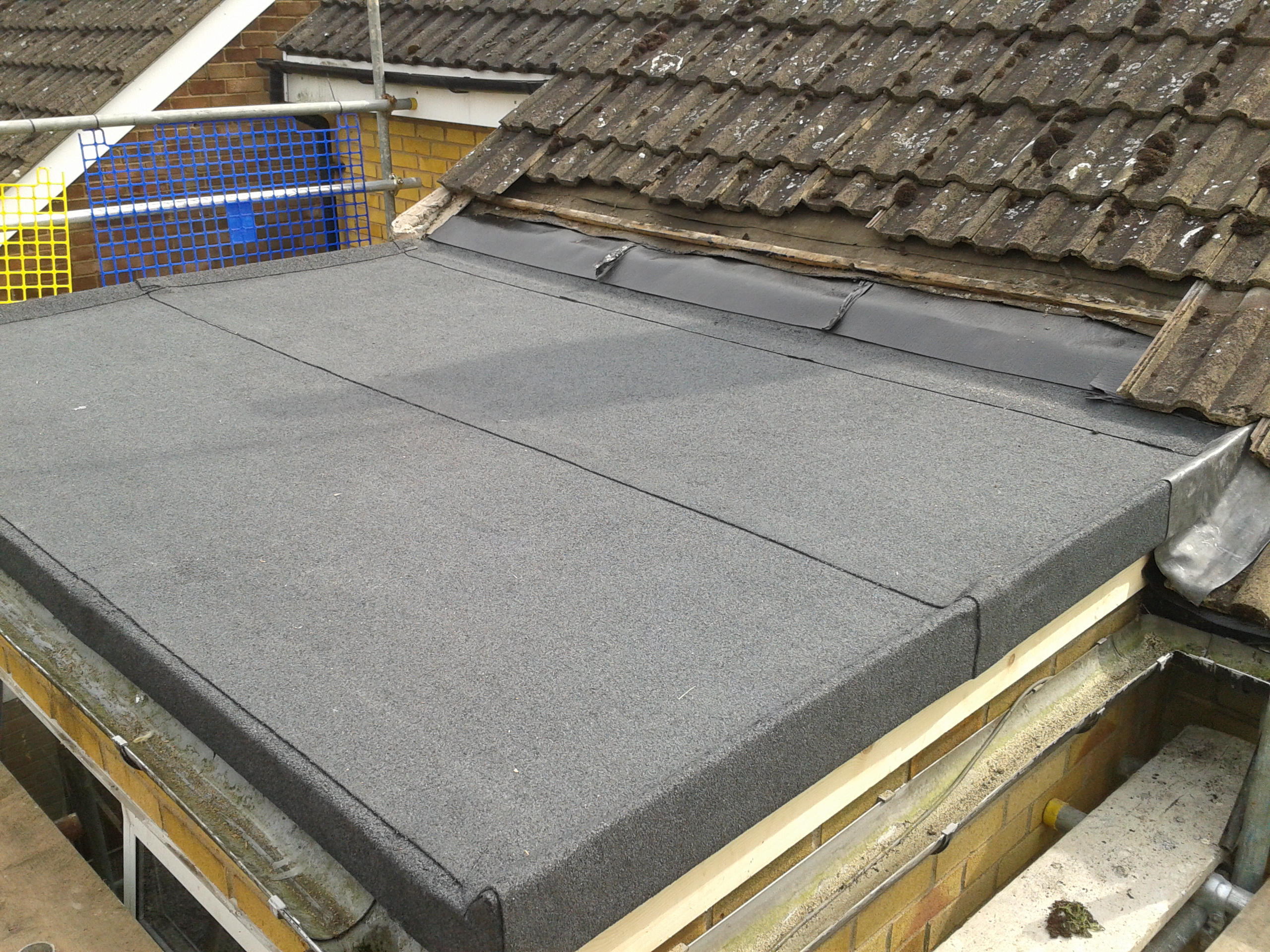 Built Up Felt Flat Roof. Using A 3 Ply System This High Perfomance Flat Roof